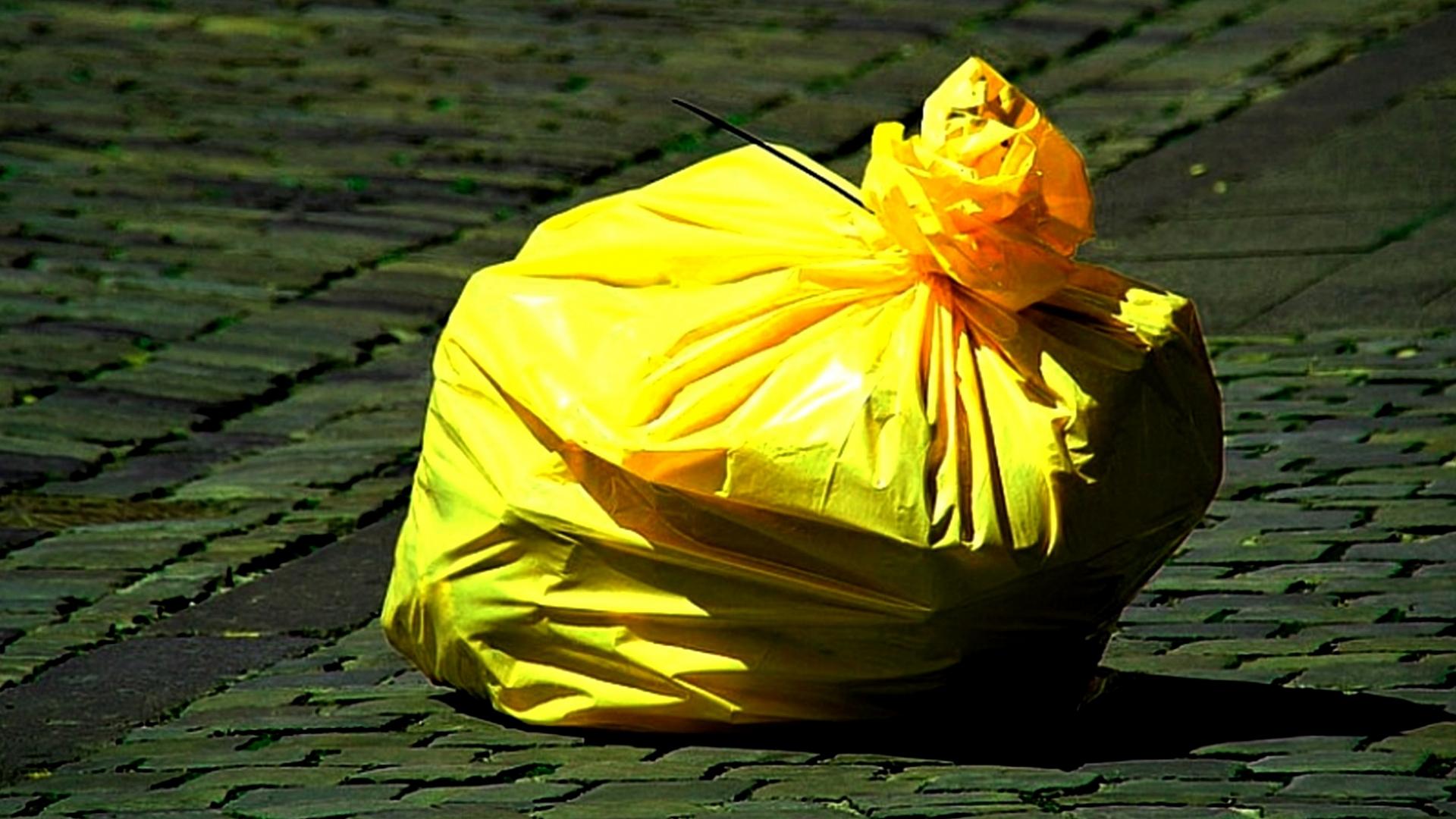 pixabay - Žluté pytle na tříděný odpad