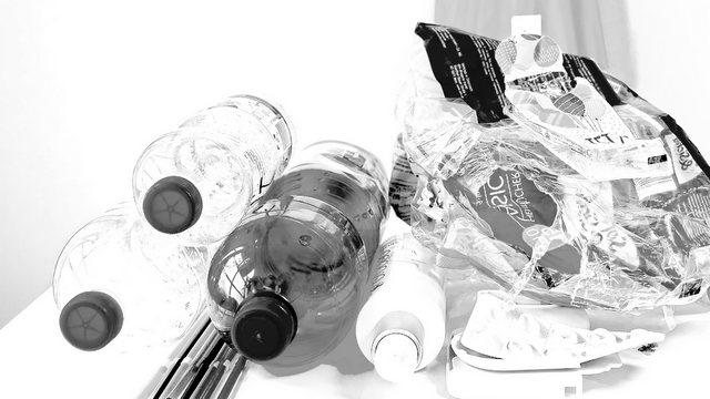 Místa pro sběr tříděného odpadu není skladiště Vašich věcí